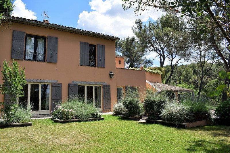 Vente aix en provence belle maison de 230 m habitable for Acheter une maison a aix en provence